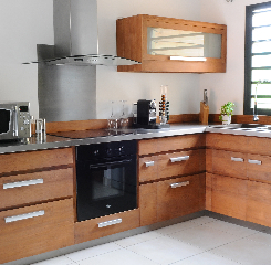 Meubles de cuisine en teck massif collection kayumanis for Mobilier de cuisine en bois massif