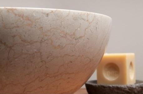 extérieur poli de la vasque ronde en marbre de Java