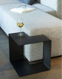 table basse en acier - jigsaw Kayumanis